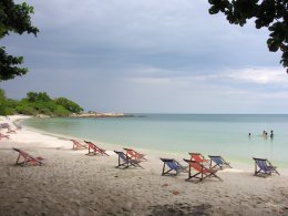 Tip: Head south on Samet for quiet beaches.